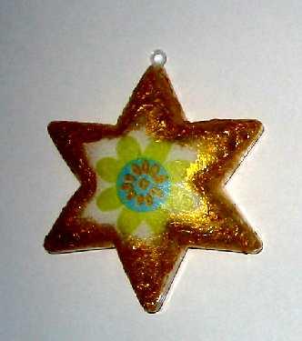 Dekorovaná plastová hvězda