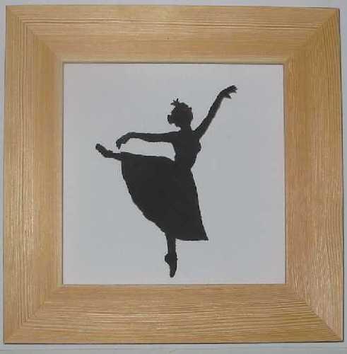 Baletka v přírodním rámečku