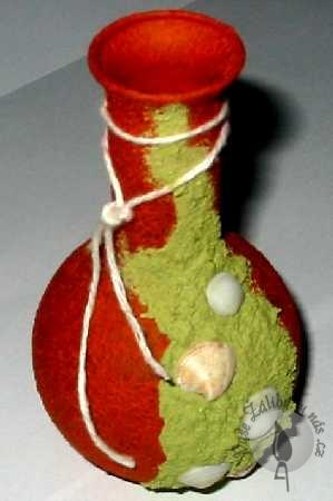 Váza zdobená efektovými barvami 2